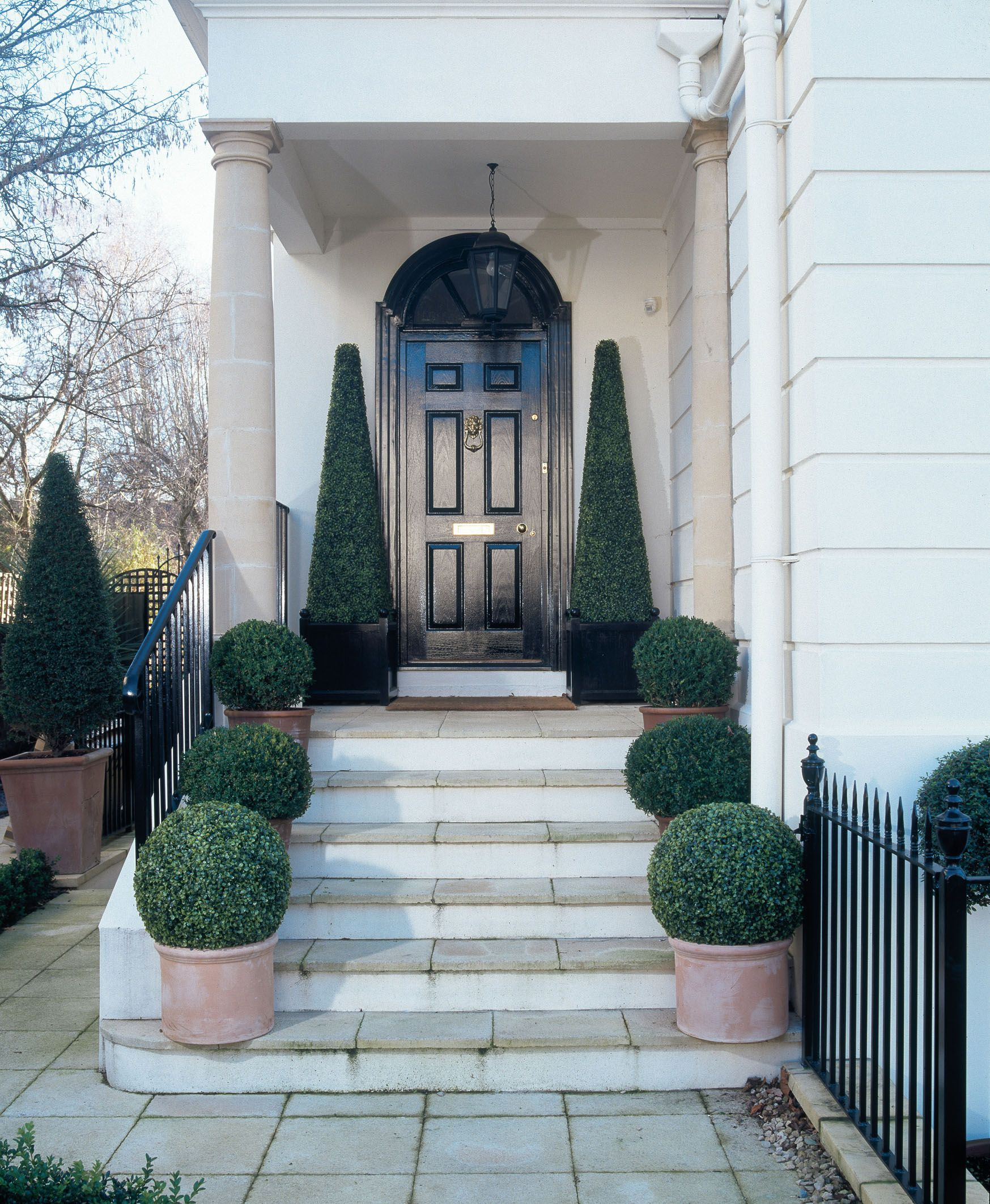 London formal townhouse with topiary faux planting | exterior ...