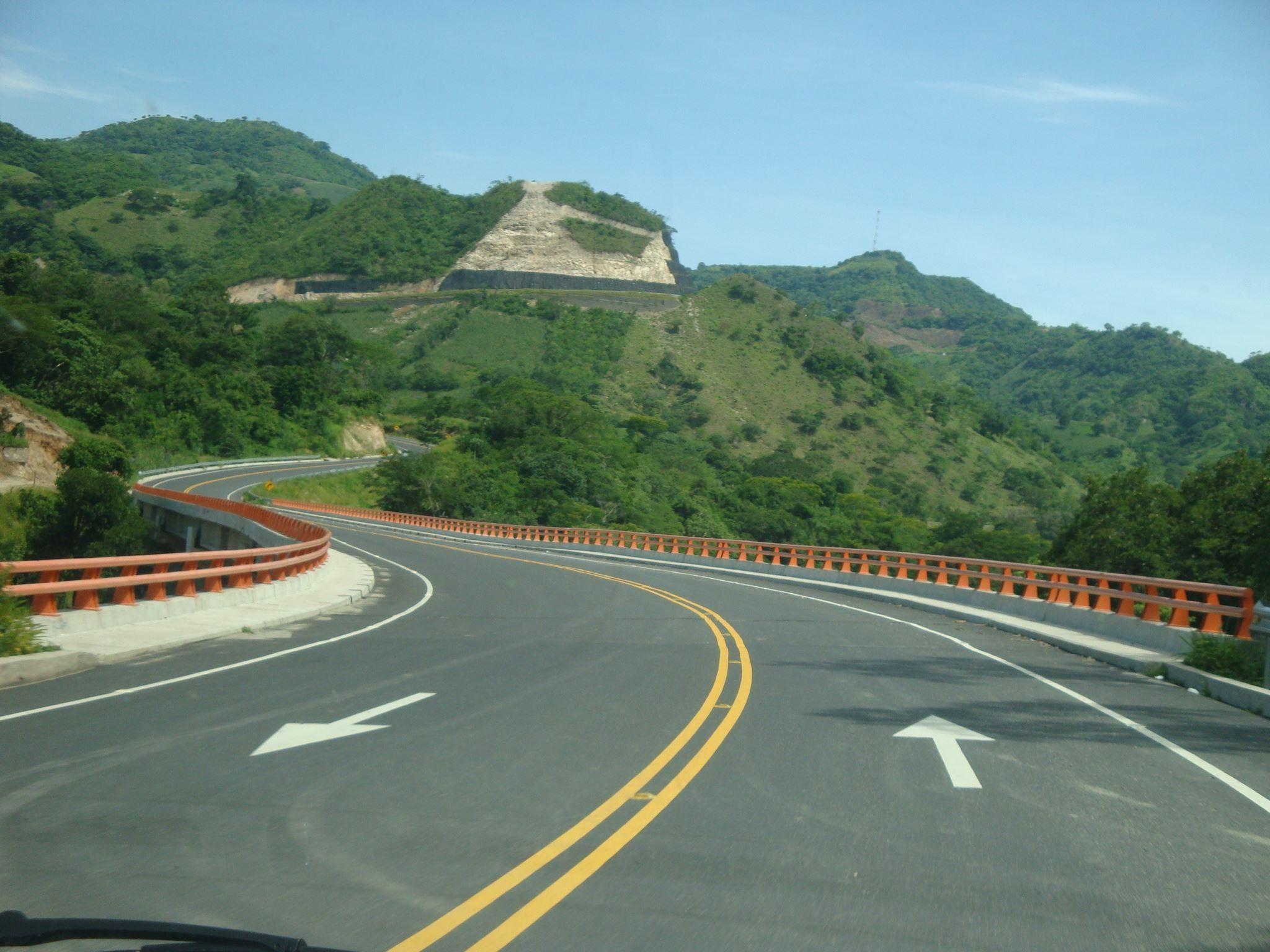 Carretera Longitudinal Del Nortetramo Metapan Santa Rosa Guachipilin Ana El Salvador