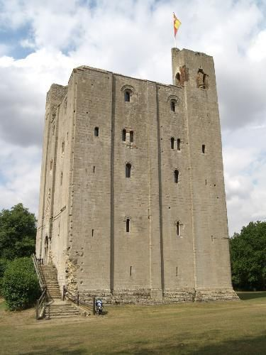 Hedingham Castle may occupy the site of an earlier castle believed to have been built in the late 11th or early 12th century by Aubrey de Vere I, a Norman baron. Matilda, wife of King Stephen, died at Castle Hedingham on May 3 1152 The castle was besieged twice, in 1216 and 1217, during the dispute between King John, rebel barons, and the French prince.