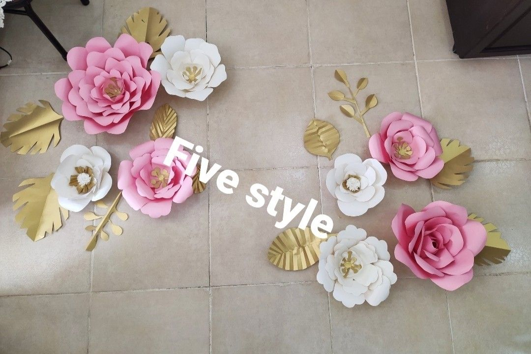 طريقة عمل ورد كبير من الورق الملون للديكور How To Make A Paper Flowers Floral Wreath Floral Rose
