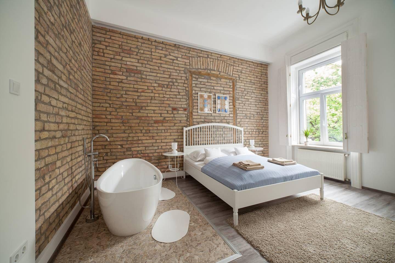 Unique urban 2 bedroom condo located in Richmond's