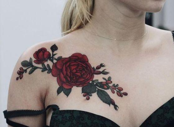 Tatuajes Rosas Hombro Mujer