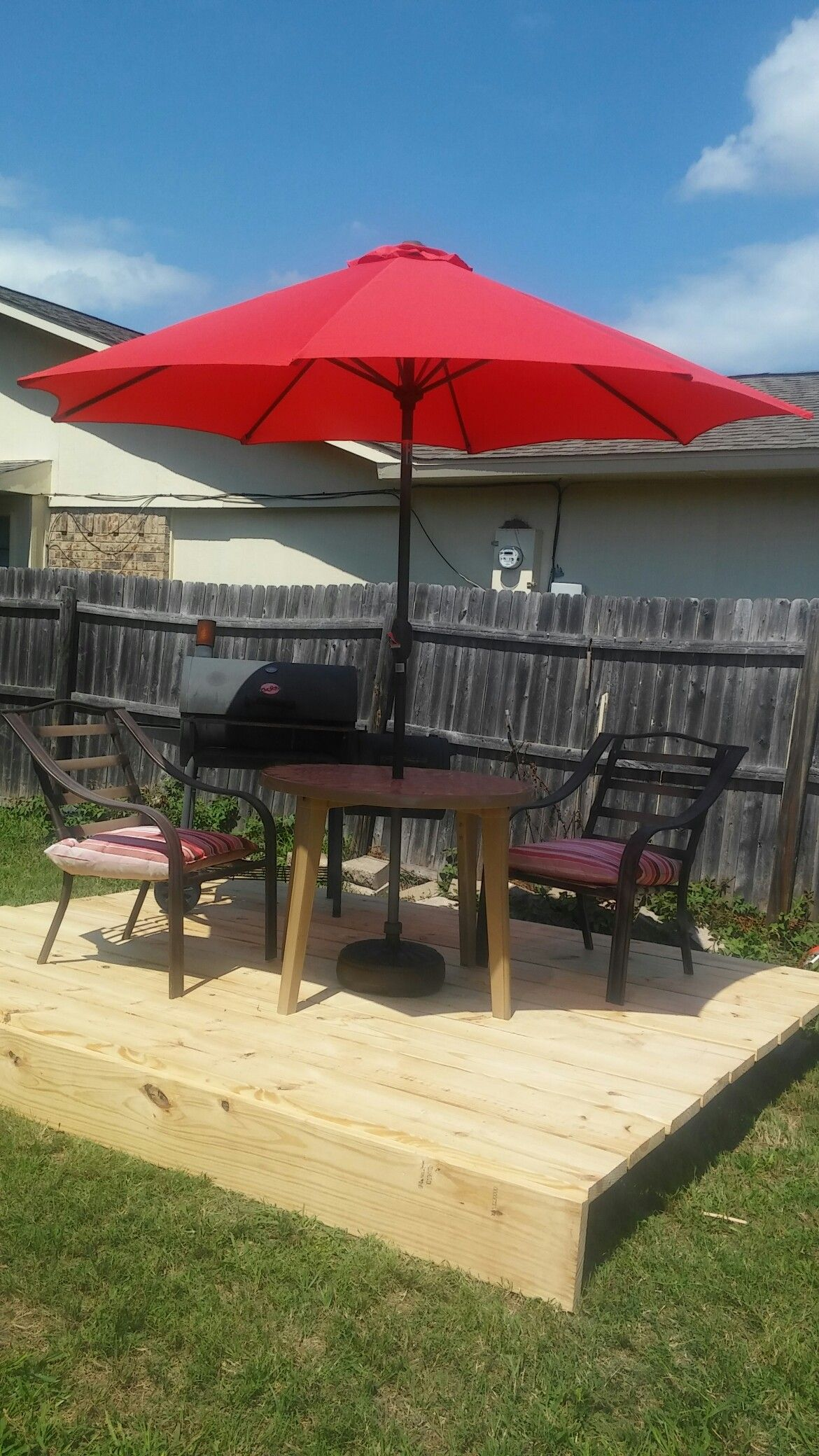 Diy Floating Deck 10x10 Under 200 Floating Deck Patio Patio Umbrella