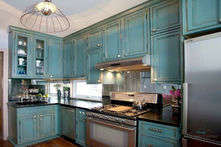 Dream kitchen mirrored back splash   Turquoise kitchen ...