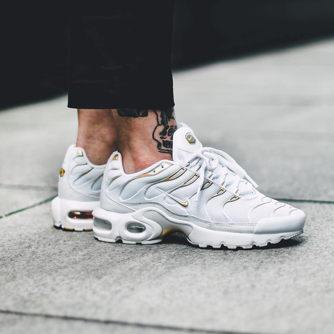 Sneakers femme - Nike Air Max Plus TN (©modzik) | I love nike airmax |  Pinterest | Air max, Nike shoe and Shoes sneakers