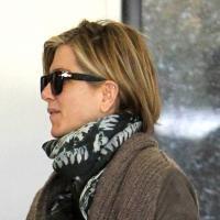 Após progressiva, Jennifer Aniston é vista pela 1ª vez com novo corte de cabelo