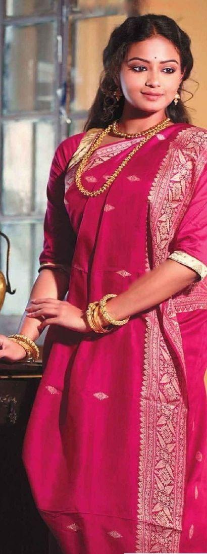 196075a49ca7f7 Traditional bengali style saree draping - original pin by @webjournal