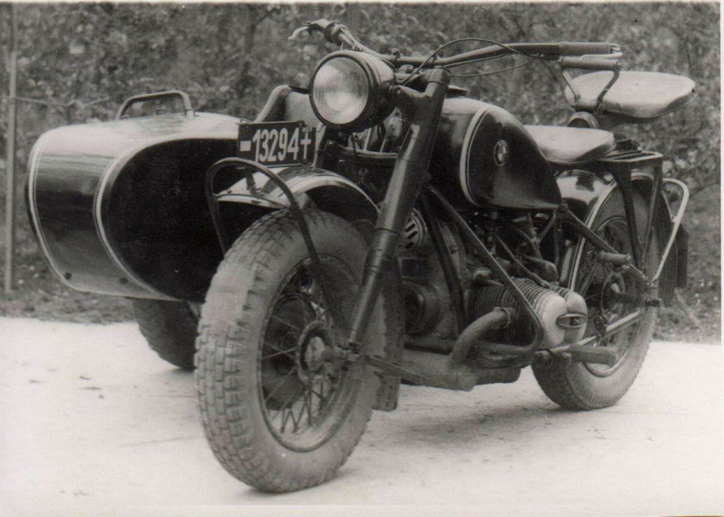 Motorcycles Of 30 40 Years Bmw Number Plate Post 1947 Red Army Zone Vienna Vintage Motorcycle Bmw Bmw R