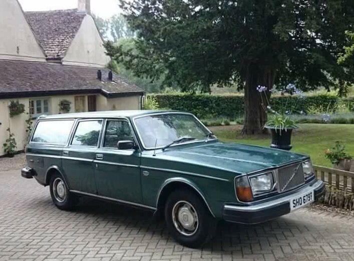 Volvo 265 (1977)