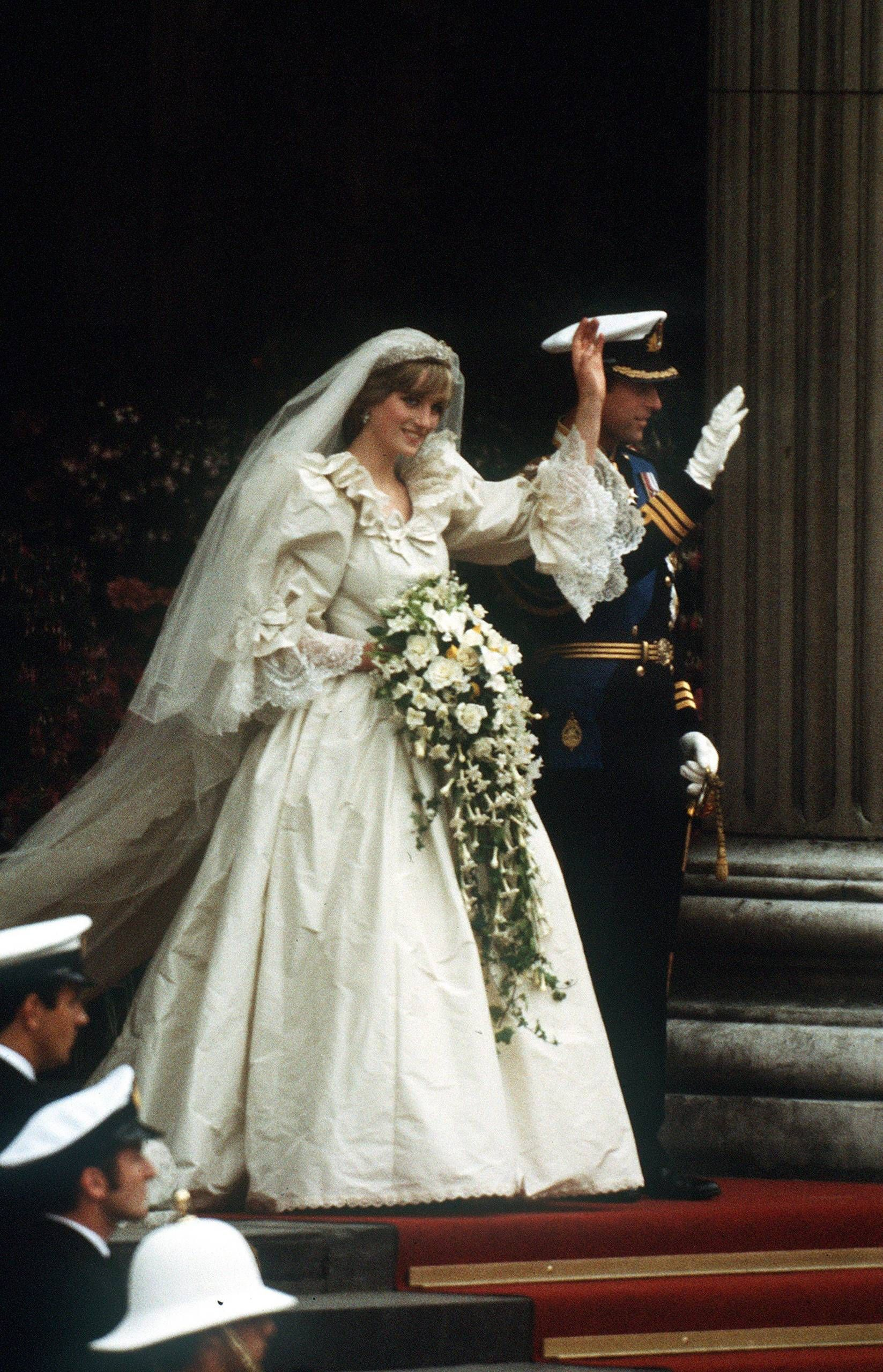 Princess Diana Wedding Mariage royal, Diana, Robe de mariee