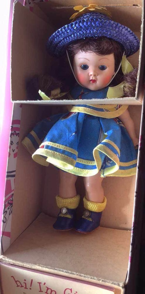 "VOGUE GINNY DOLL, Hard plastic ""SCHOOL"" # 72, 1953 SO CUTE! Tiny Miss Series."