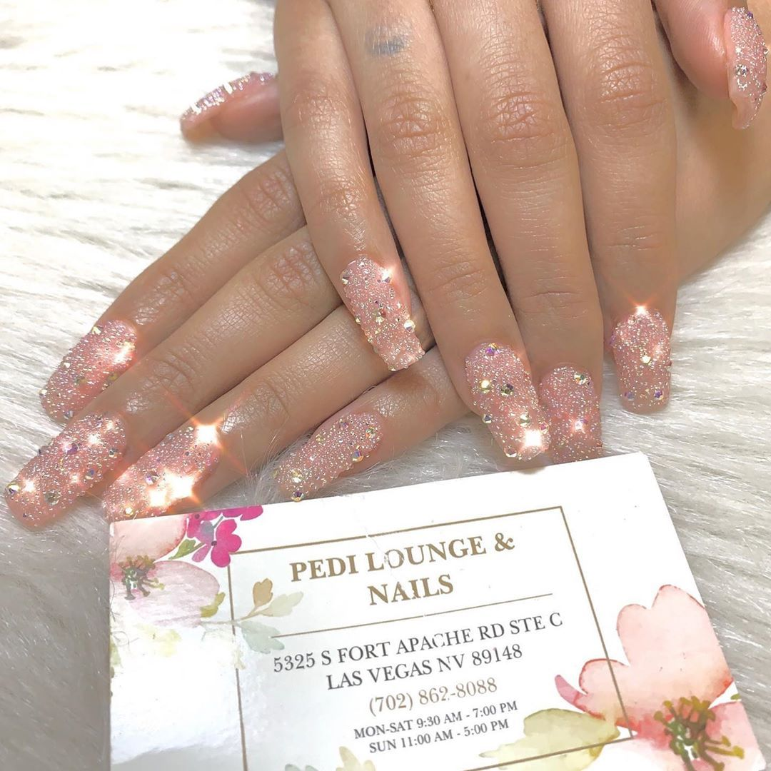 Super Chic Nails That Are Perfect For Any Occasion All Year Round Chic Nails Occasion Nails