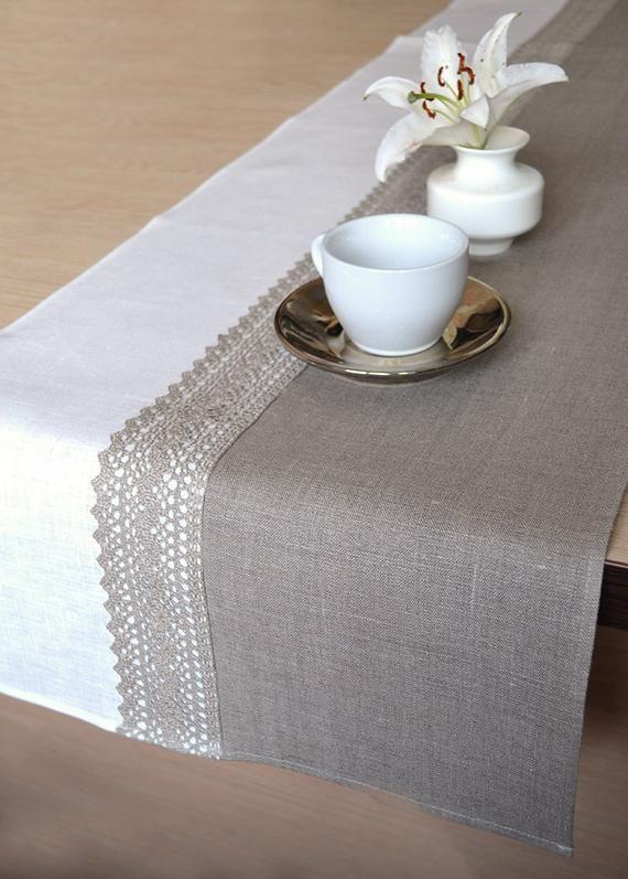 Lin naturel chemin de Table Runner mariage dentelle chemin rustique décor chemin mariage douche chemin de table gris blanc chemin de la maison à manger Runner