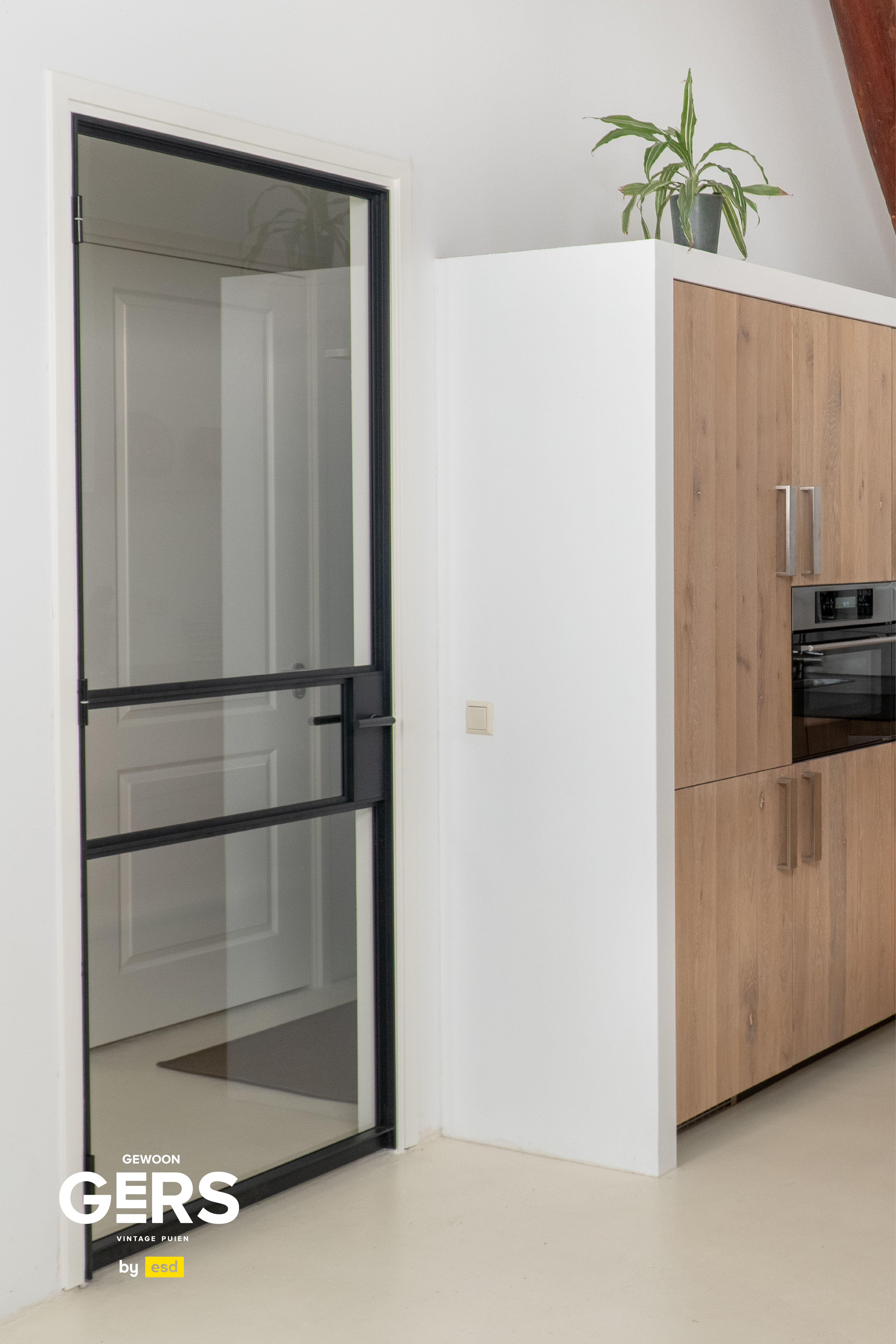 Home inspiration: enter through a trendy door