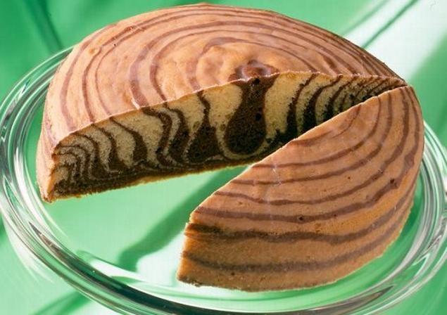 Zebrakuchen mit Guss                              -                                  Ein saftiger Kuchen mit interessanter Optik für die Kaffeetafel