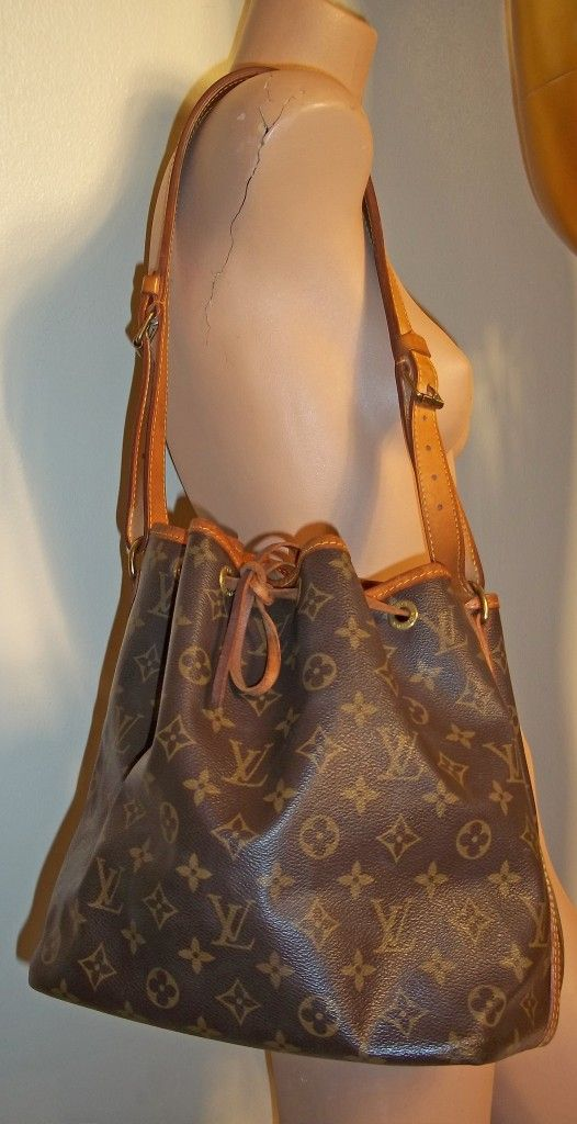 d952c3a6746d Vintage Louis Vuitton bag...I bought this Feedbag in 1988! Stop calling it   vintage . Makes me feel old  (