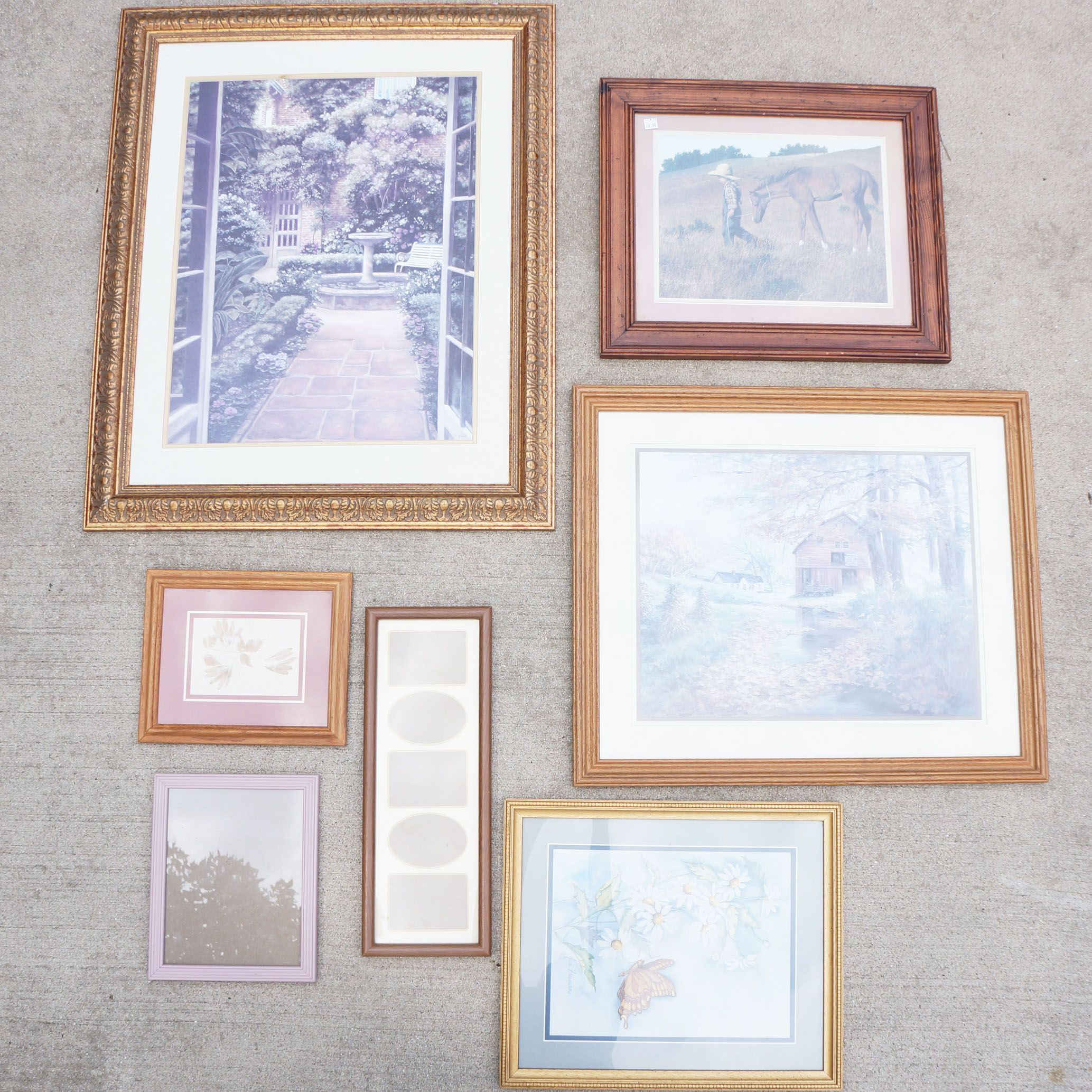 Diy Spray Painted Picture Frames From Resale Shops
