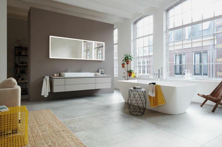 Ambiente molto grande, come arredare un bagno, vasca rettangolare ...