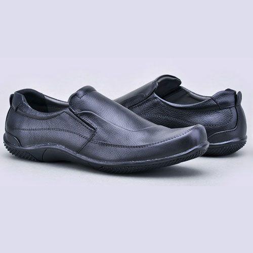 Berbagai Macam Jenis Sepatu Kerja Pantofel Pria yang bisa menjadi referensi  dalam bergaya 75778cbb5c