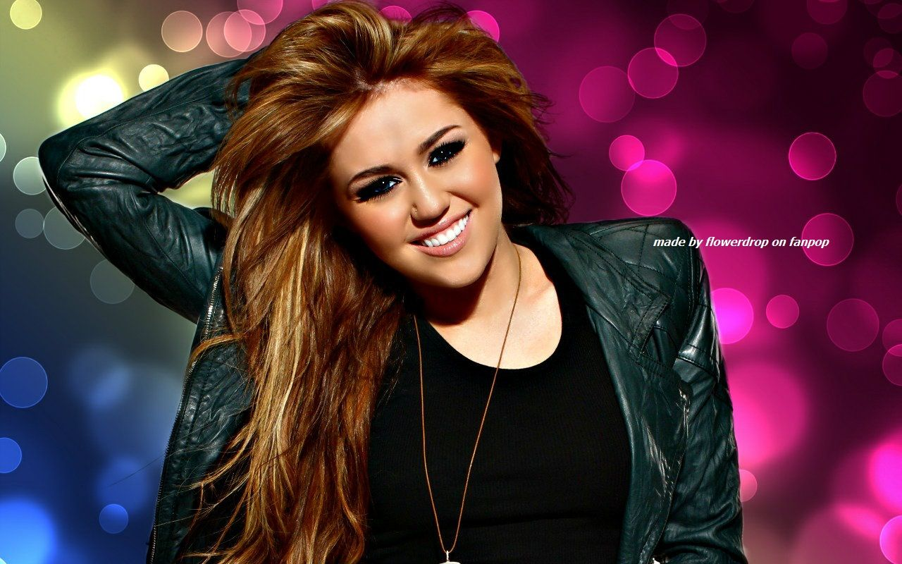 Pin By Celeb Up On Celebs Social Miley Cyrus Wallpaper
