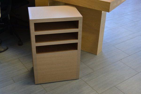 petit meuble d 39 appoint en carton brut sur roulettes consoles en carton home decor et decor. Black Bedroom Furniture Sets. Home Design Ideas