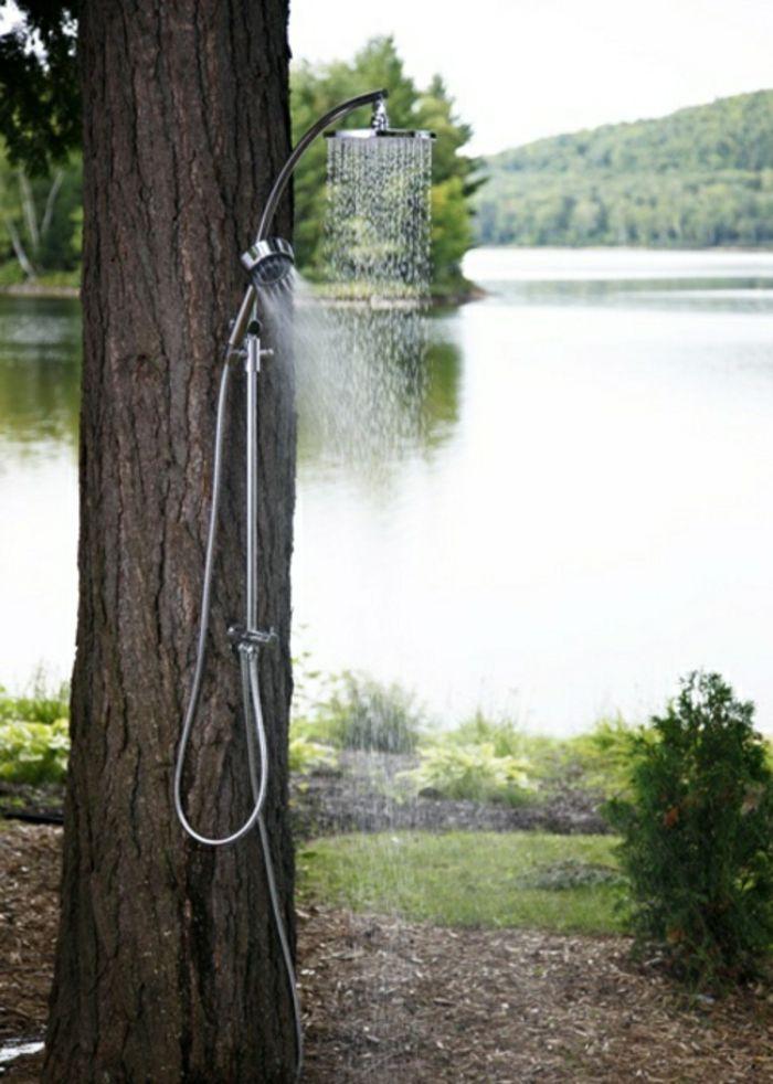 Outdoor Dusche für eine Erfrischung während der heißen Sommertage - ideen gartendusche design erfrischung