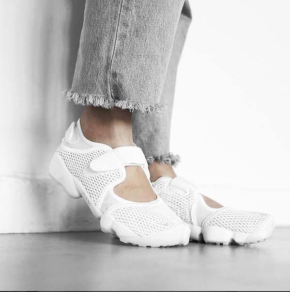 Contratación excitación pérdida  Luftige Angelegenheit: Nike Wmns Air Rift BR. Hier entdecken und shoppen:  https://evrysz.com/J2WN0 | Minimalist shoes, Shoe collection, Nike air rift