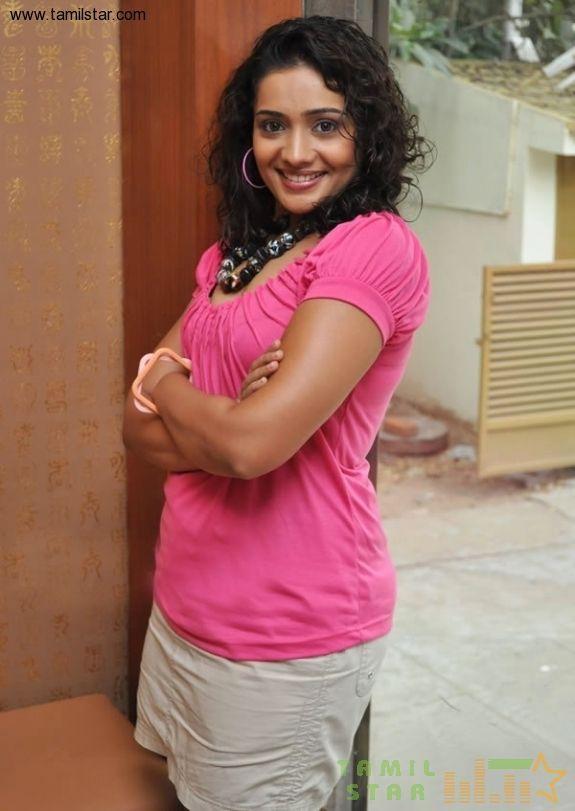 Actress Meera Vasudevan Special Gallery