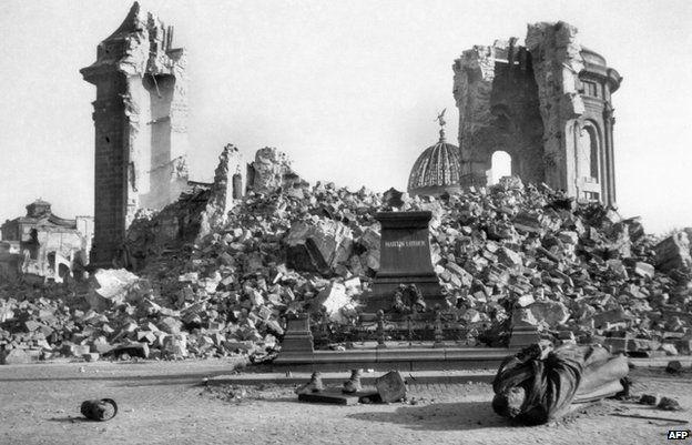 Dresden S Firebombing Haunts Rebuilt German City Dresden Bombing Dresden Panoramic Pictures