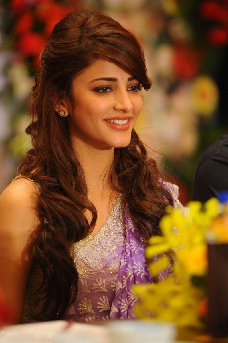 Hd wallpaper bollywood - Full Hd Wallpapers Bollywood Actress Wallpaper 1024 768 Free