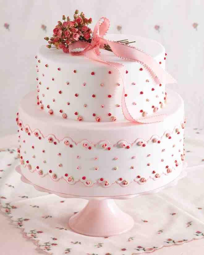 Wedding Cake Cookies Martha Stewart: 7 Handkerchief-Inspired Wedding Cakes That Are Sew Sweet