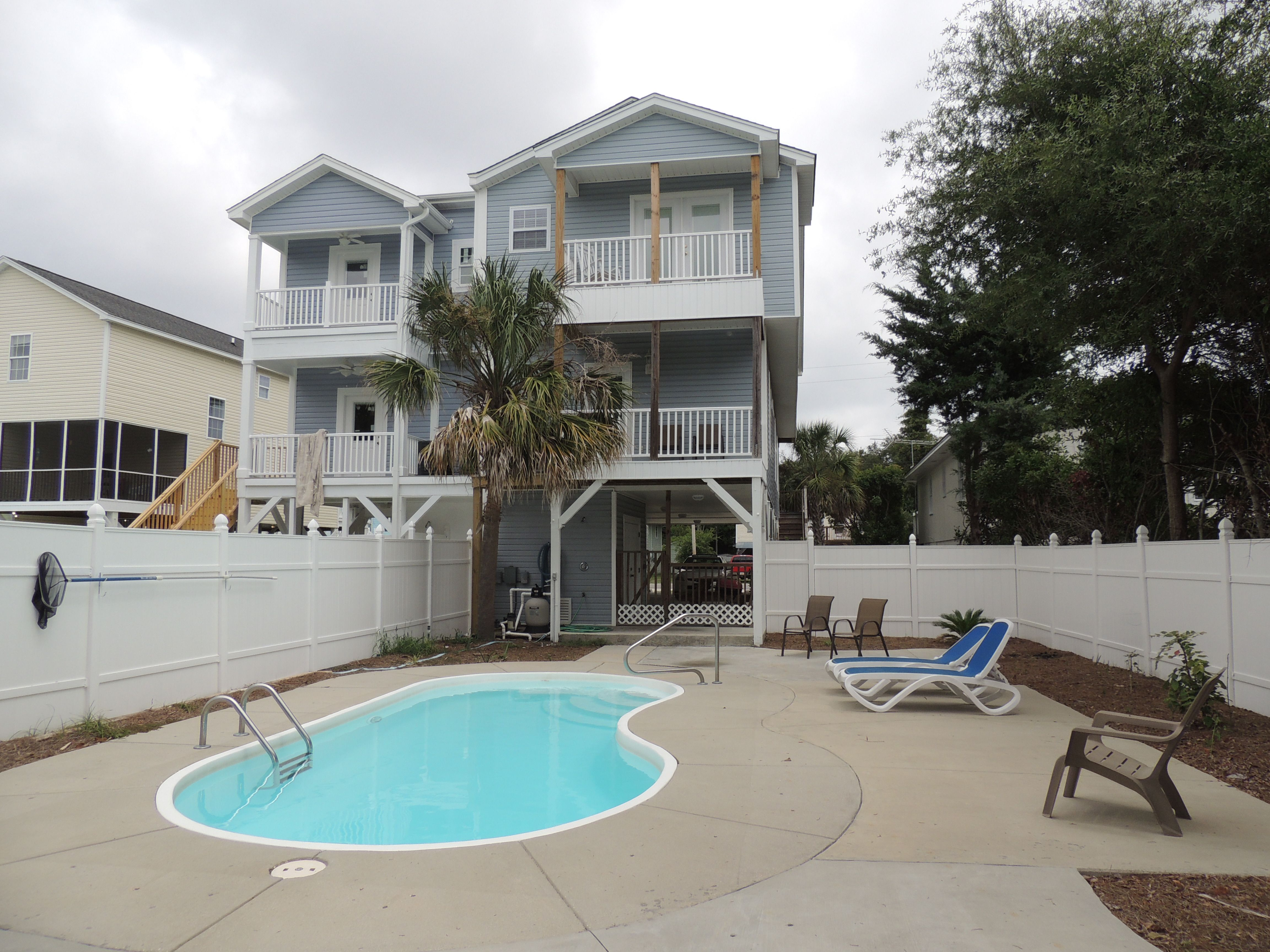 Sandy Paws Is A Five Bedroom Five Bath Beach House Located 1 Mile