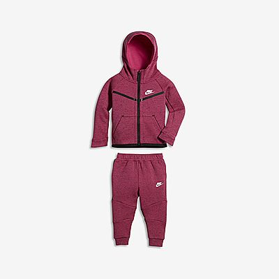 61851d661947 Nike Tech Fleece Two-Piece Nike Tech Fleece