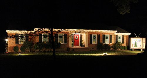 One Of The Most Amazing Outdoor Christmas Decorating Ideas Ever Outdoor Christmas Exterior Christmas Lights Outside Christmas Decorations