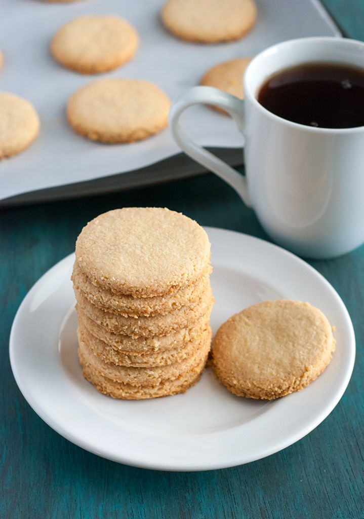 4-Ingredient Shortbread Cookies - alternative to Holiday Cookies. / #lowcarb shared on https://facebook.com/lowcarbzen