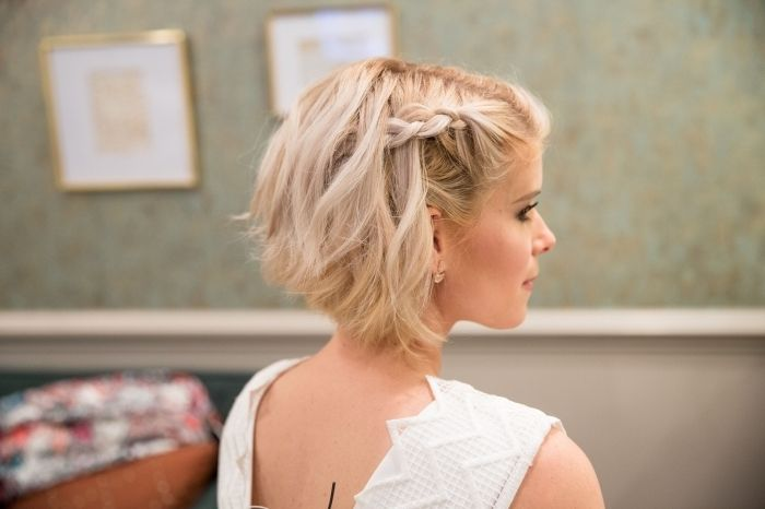 ▷ 1001 + coiffures superbes avec une tresse sur le côté