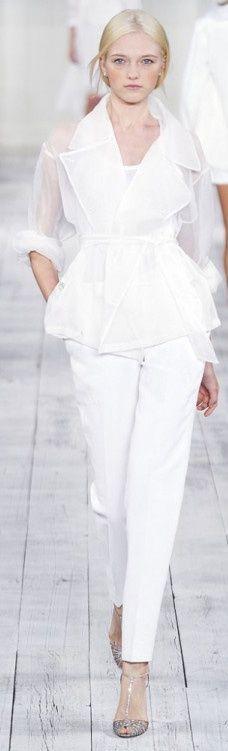 trajes para novias con pantalones