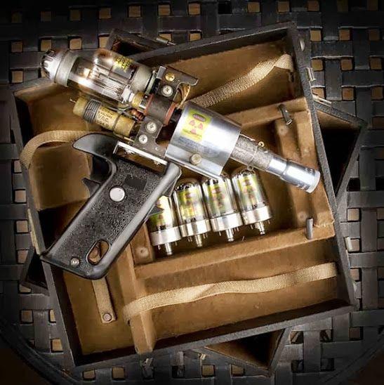 """cloggo: """" TESLAPUNK The Tesla Gun, weapon of choice for the master"""
