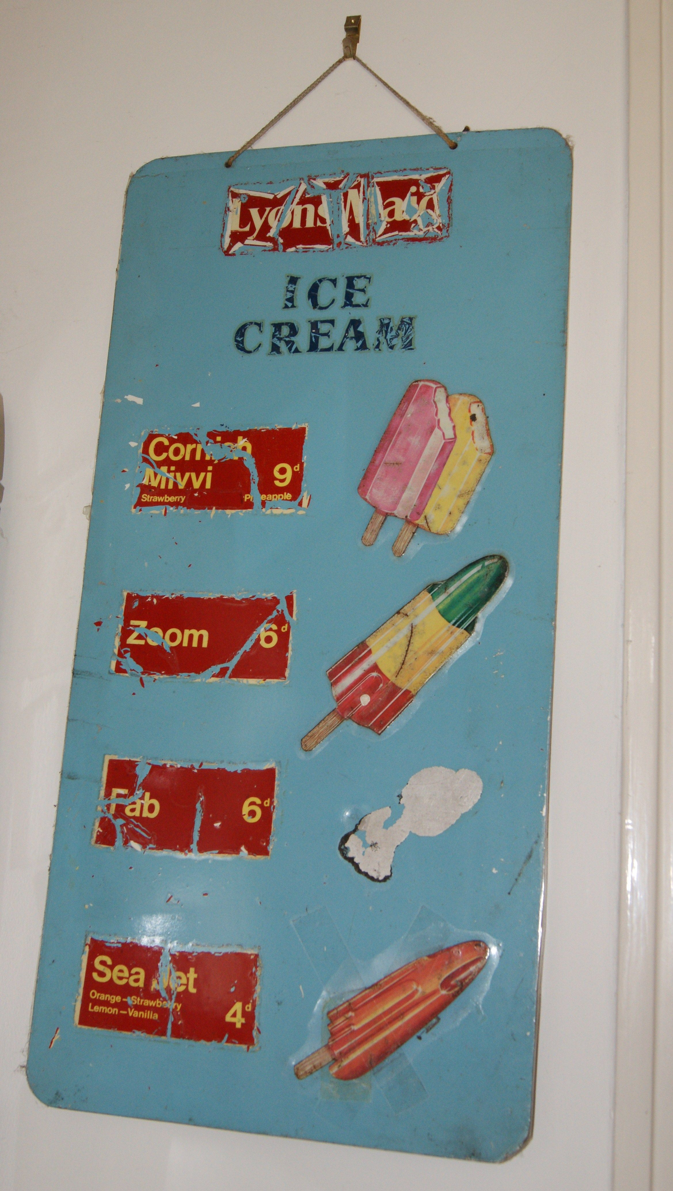 an original metal advertising sign in our kitchen.   Vintage Ads ...