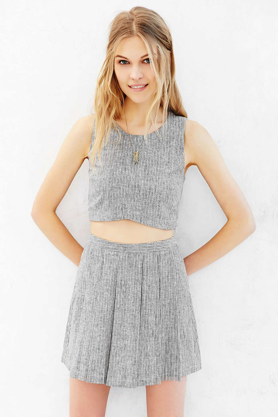 Nolitha Scalloped Cropped Top - Urban Outfitters