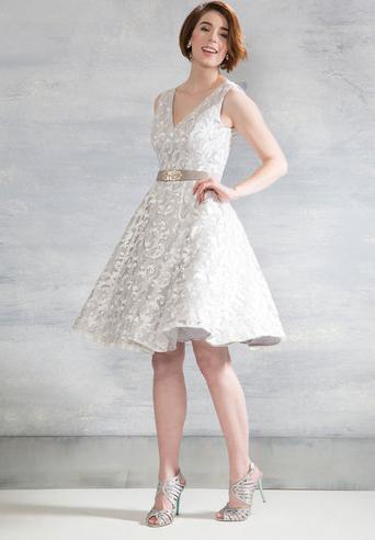 20 Beautiful Wedding Dresses Under 250