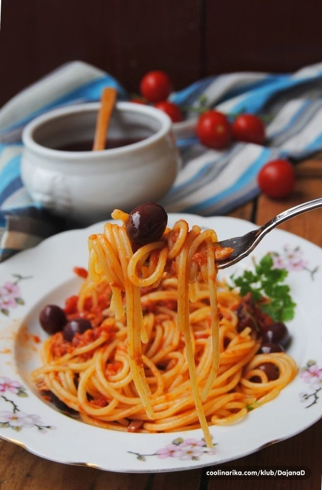 Spaghetti Al Tonno E Olive Food Pinterest Pasta Polenta And
