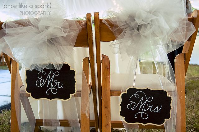 Sin duda las sillas también deben acompañar el estilo general de la boda.