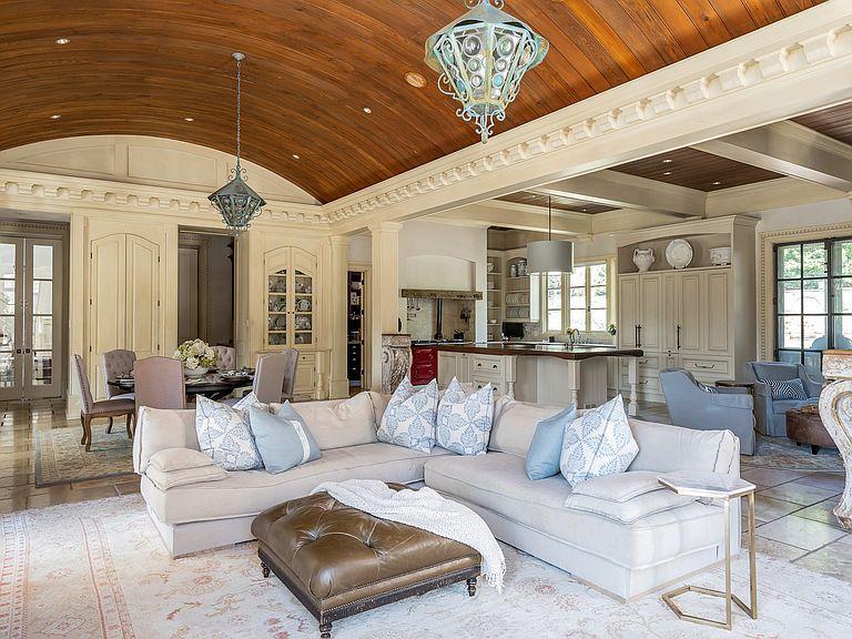1040 W Conway Dr Nw Atlanta Ga 30327 Mls 6632831 Zillow Estate Homes Formal Living Rooms Condos For Sale Bedroom suites in atlanta ga