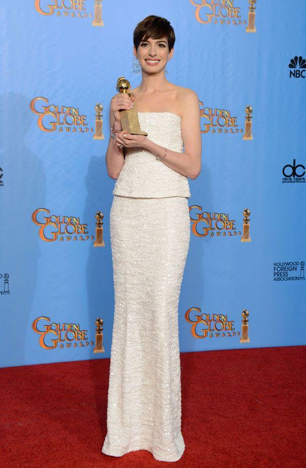 Vestidos brancos dos Globos de Ouro 2013. #casamento #vestido #AnneHathaway