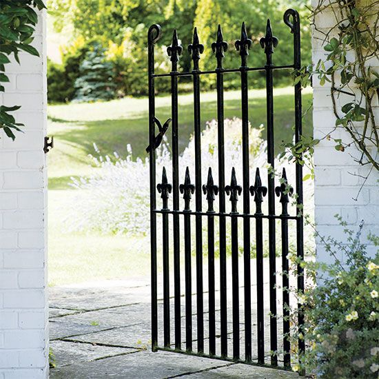 Gates and fences for country gardens