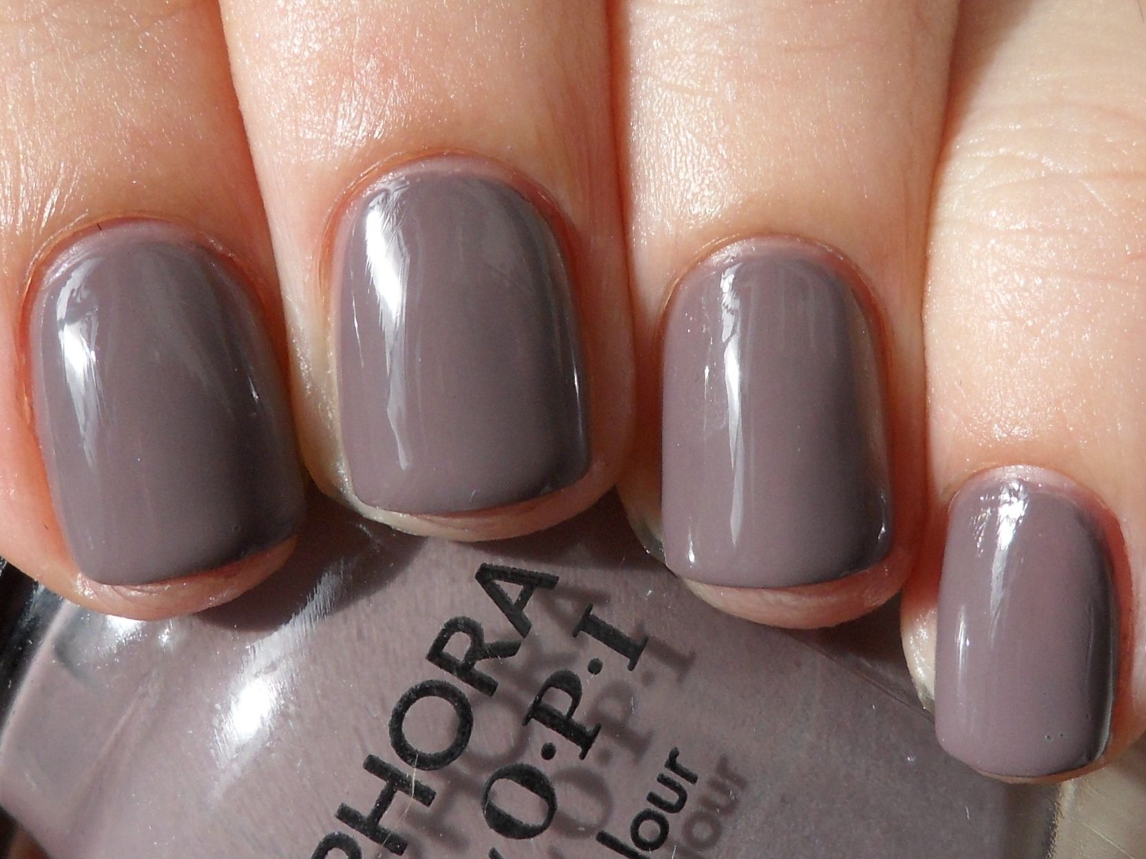 I like!  But, wondering if I could pull this off without it looking like I have mud on my fingers...
