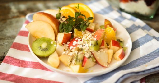 Recette de Salade de fruits au son de blé. Facile et rapide à réaliser, goûteuse et diététique. Ingrédients, préparation et recettes associées.