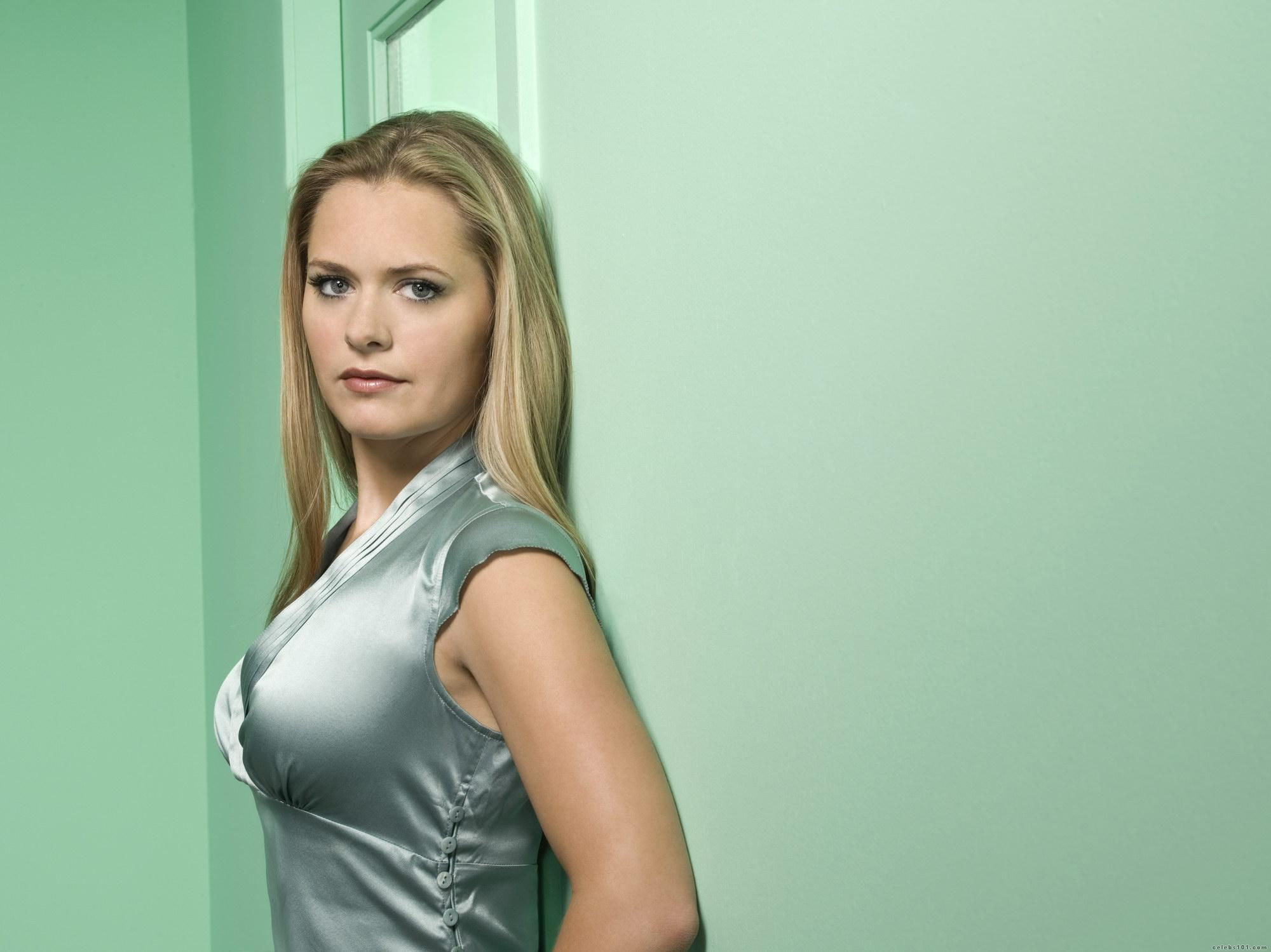Maggie Lawson Nude Pictures Ele maggie lawson august 12 1980 | happy birthday!!!!!!!!!! <3