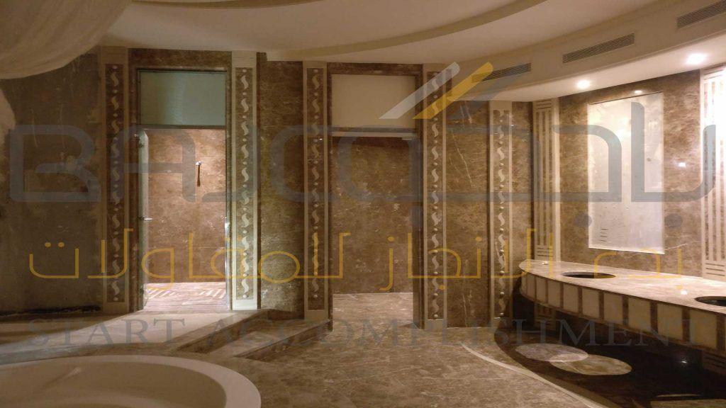 تشطيب رخام امبرادور غرفة صحية في قصر خاص Marble Bathtub Bathroom